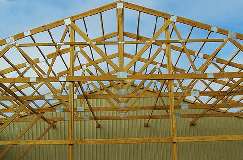 деревянные фермы треугольной крыши