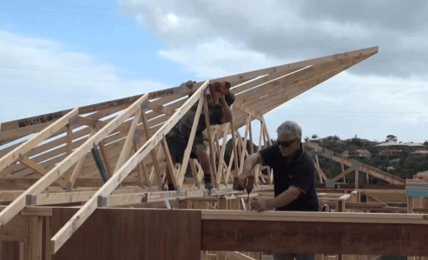 Монтаж вальмовой крыши