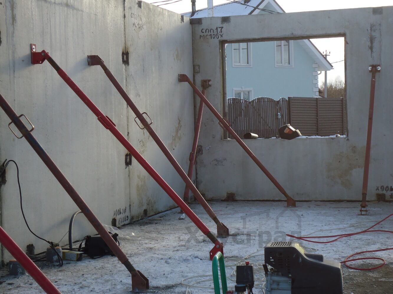 Монтаж дома БЭНПАН Премиум с пустотными перекрытиями
